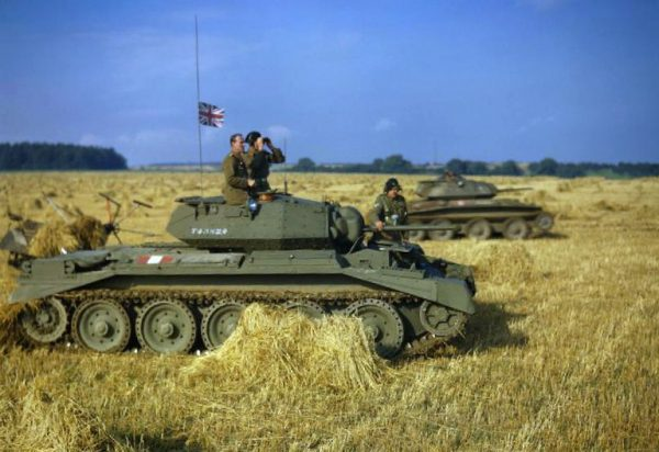 Crusader II, and Covenanter at rear, training in Yorkshire, 1942.