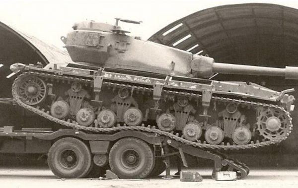 Conqueror tank without side skirts.