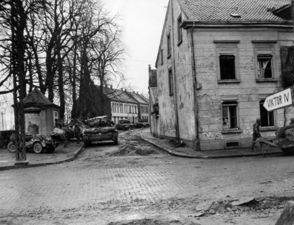 Jeep and Hellcat of the 8th Armored Division at Rheinberg 6 March 1945