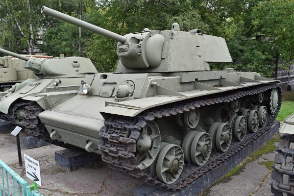 The KV-1 and T-34 together. Photo by Alan Wilson CC BY-SA 2.0