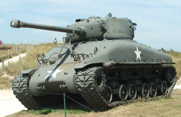 A Sherman with the larger 76 mm M1 gun. Euro-t-guide.com CC BY-SA 3.0
