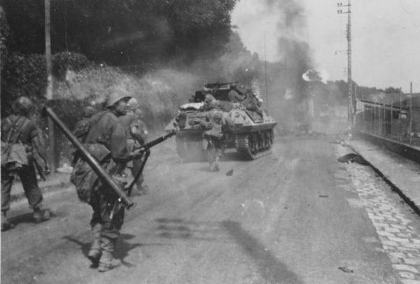 M10 Fontainebleau France 23 August 1944