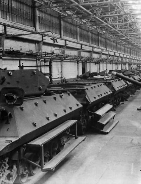 M10 Tank Destroyers On Production Line At Ford Plant 1943
