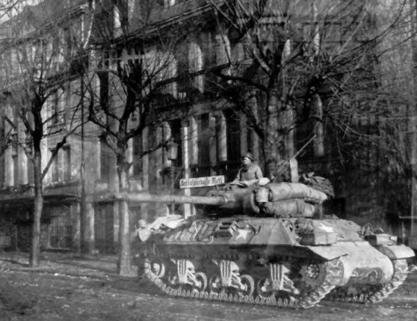 M36 in Metz 19 November 1944