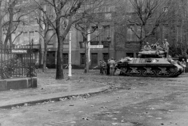 M36 Jackson in the streets of Metz November 21 1944
