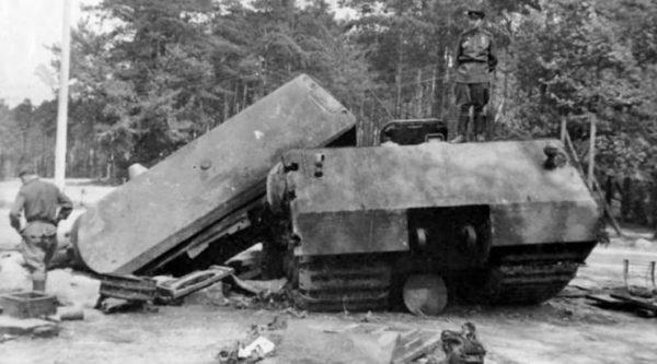 Maus blown up at Kummersdorf 1945 2