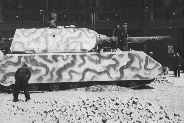 Panzerkampfwagen VIII Maus, 9 April 1944