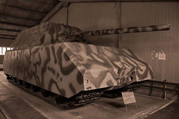 Panzerkampfwagen VIII Maus at Kubinka Museum. Photo by Uwe Brodrecht CC-BY-SA 2.0