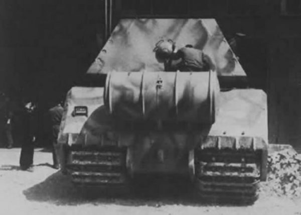 Rear view of the Maus with external fuel tank, April 1944