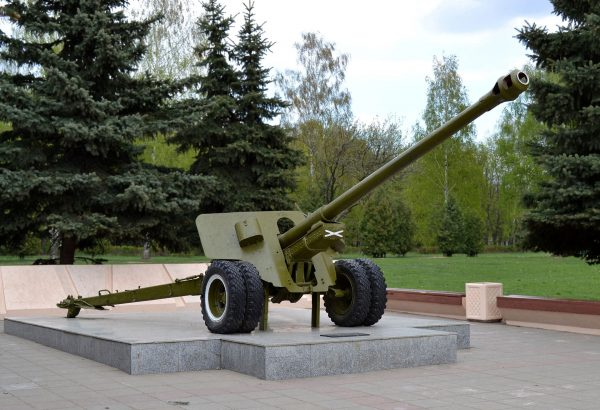The 100 mm M1944 BS-3. Image by Dmitry Ivanov. CC BY-SA 3.0