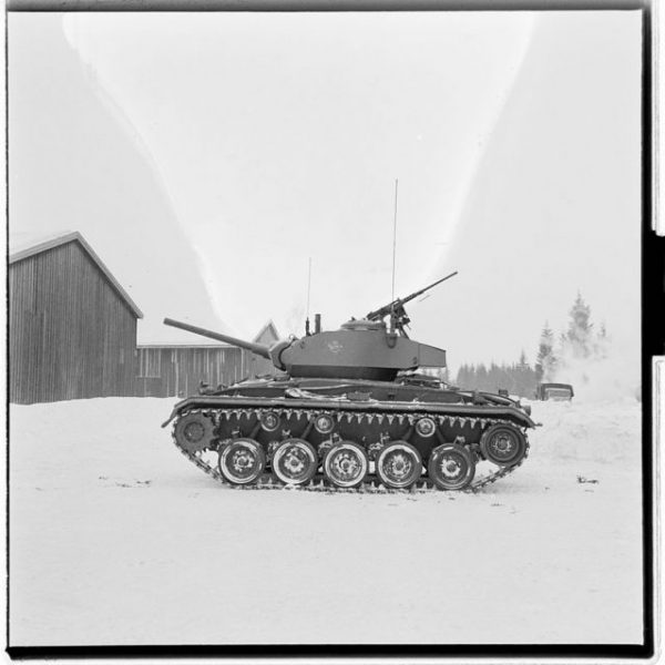 M24 Chaffee tank in Norway. By National Archives of Norway CC BY-SA 4.0