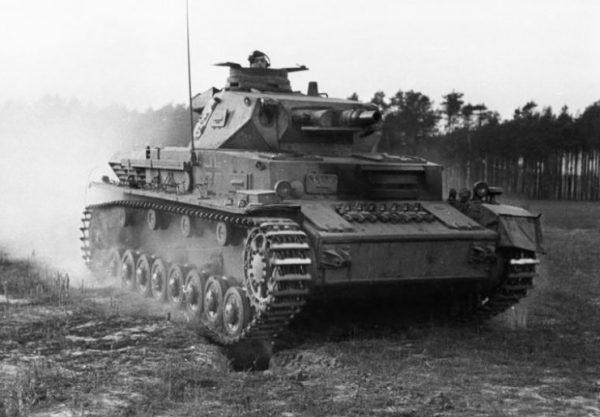 Panzer IV Ausf. C, 1943.Photo Bundesarchiv, Bild 183-J08365 CC-BY-SA 3.0