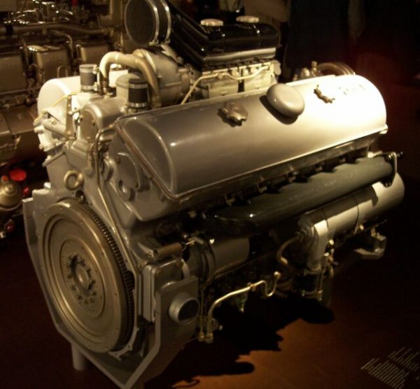 The 300 horsepower Maybach HL 120TRM engine used in most Panzer IV production models. Photo Stahlkocher CC BY-SA 3.0