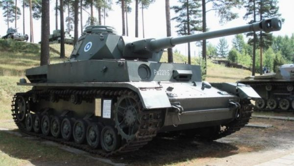 The Ausf. J was the final production model, and was greatly simplified compared to earlier variants to speed construction. This shows an exported Finnish model. Photo Balcer CC BY 2.5