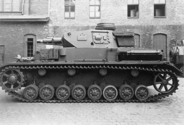 The short-barreled Panzer IV Ausf. F1. Bundesarchiv, Bild 146-1979Anh.-001-10 CC-BY-SA 3.0