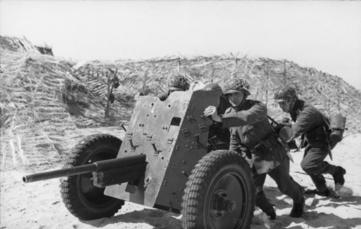 3.7 cm Pak 36.Photo Bundesarchiv, Bild 101I-299-1831-26 Hähle, Johannes CC-BY-SA 3.0