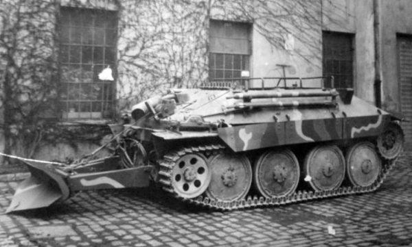 Bergepanzerwagen 38 Hetzer Variant.