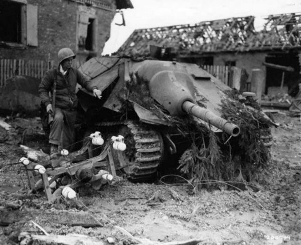 Destroyed Hetzer Jagdpanzer 38 – Notice the impact was from the side.