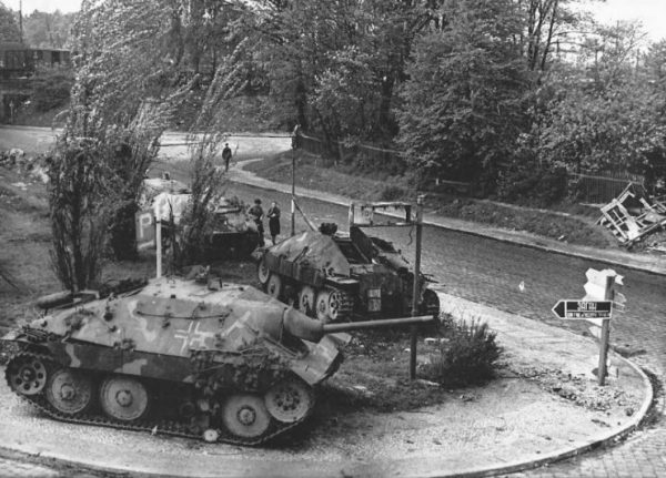 Tank Destroyers on the Eastern Front – 1945