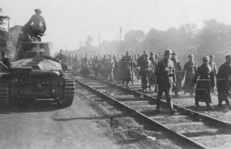 Panzer 35(t) and Polish POWs 1939