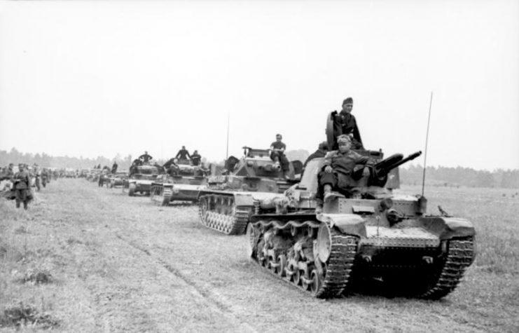 Panzer 35(t) in France 1940.Photo Bundesarchiv, Bild 101I-769-0236-23 Borchert, Erich (Eric) CC-BY-SA 3.0