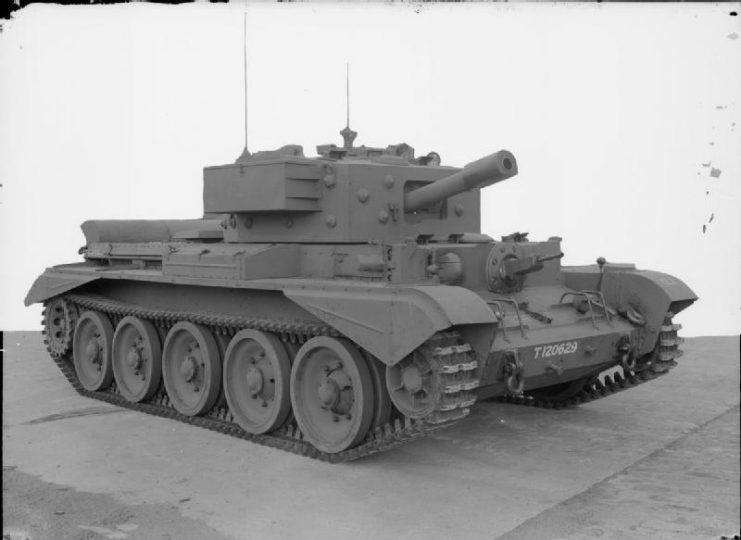 Cromwell VI with type F hull, showing driver's side-opening hatch and turret storage bins